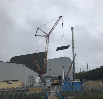 750 ton crawler crane 2 cropped